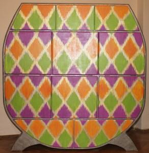 "Cardboard furnitures: chest ""Ikat"""