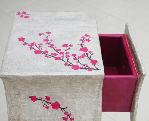 """Cardboard furnitures: """"Cherry tree"""" small pedestal table"""