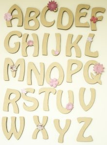 Lettres décoratives en carton ondulé, alphabet