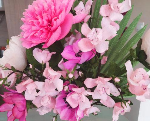Fleurs en papier : composition florale